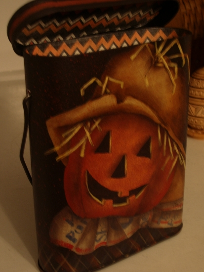 Scarecrow Tin Treat Pail
